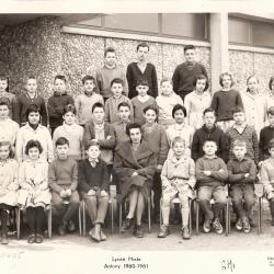 1960-61 6M1 avec Mme Eymard (HG)