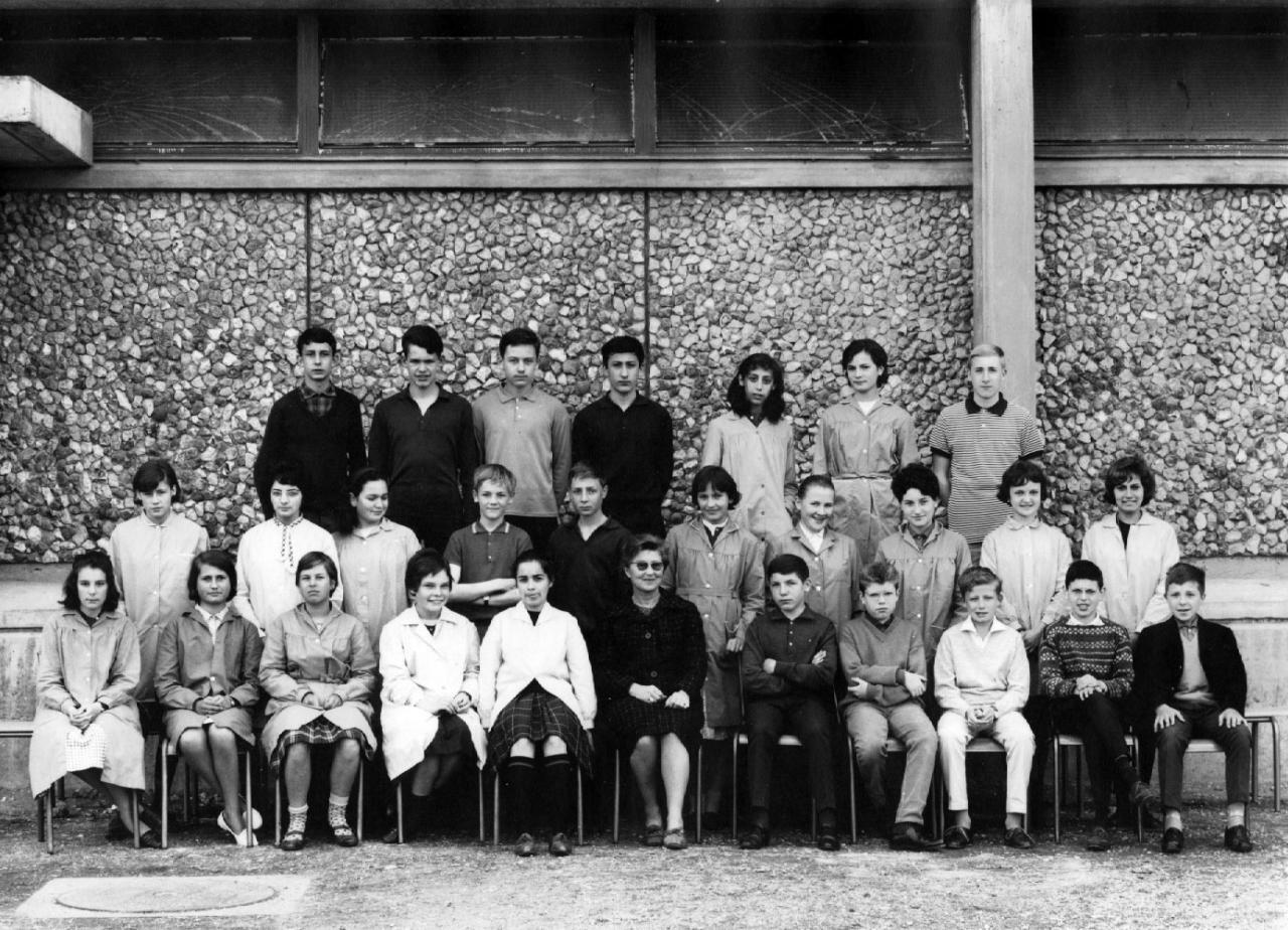 1963-64 4M avec Madame MARTIN (Maths)