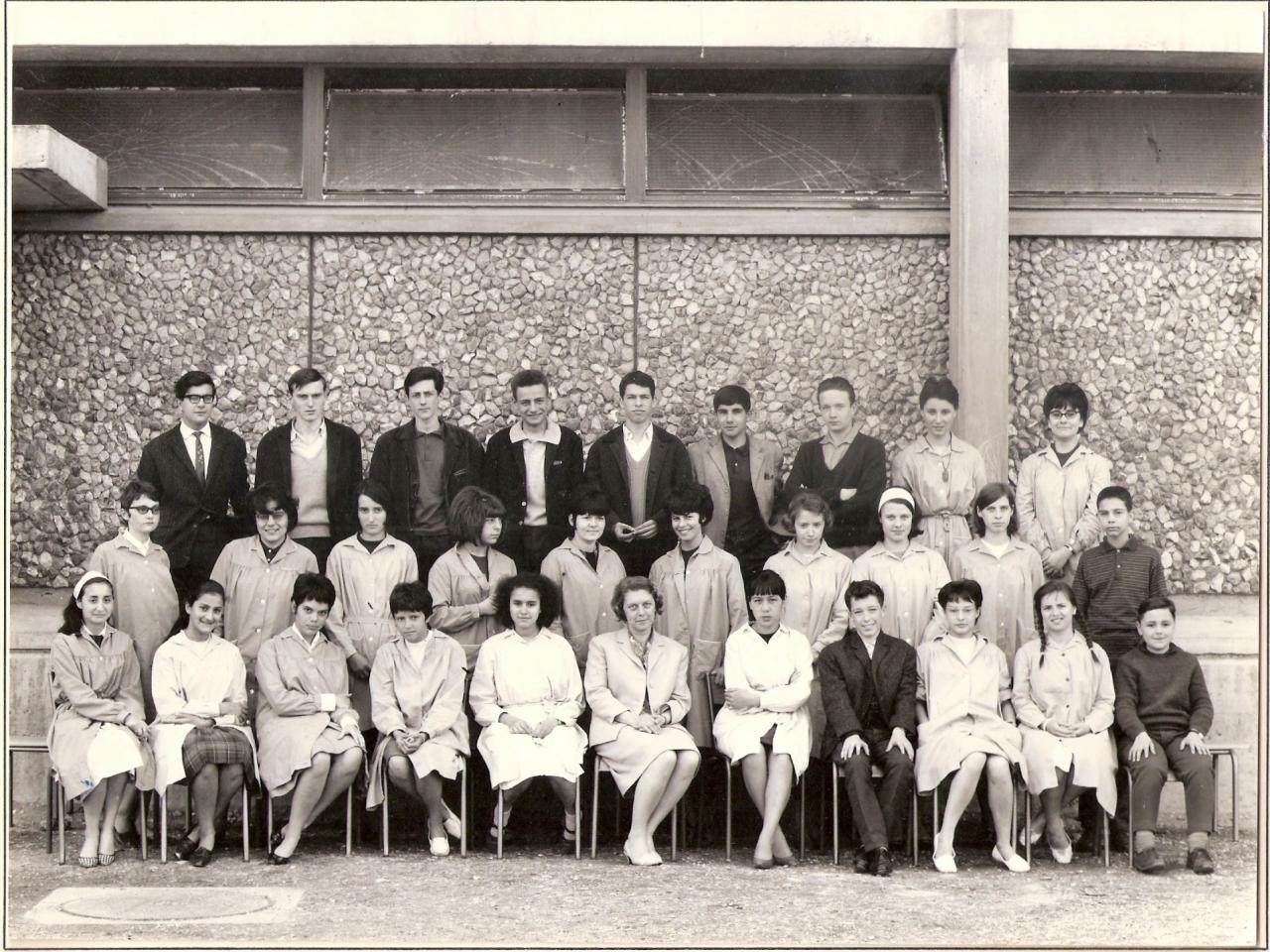 1963-64 - 2nde AA'B avec Mme Lévêque