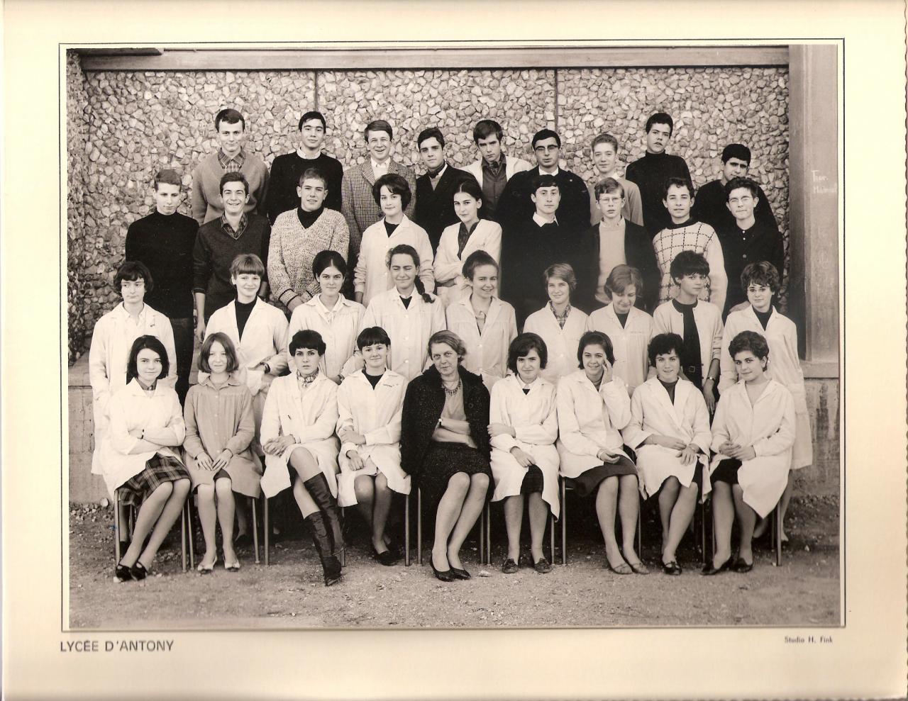 1964-65 - 2nde avec Madame Lévêque.