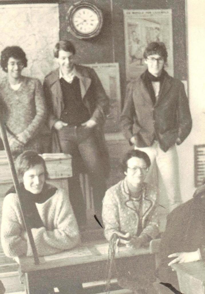 Madame Cagnon et des élèves de 1ere C1 en 1976