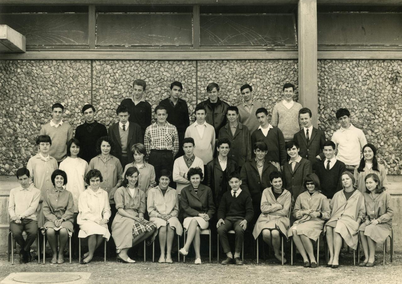2nde M1 1963-64, avec Mme CHARRON