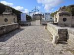 """Fossés secs, pour faire """"château seigneurial""""."""