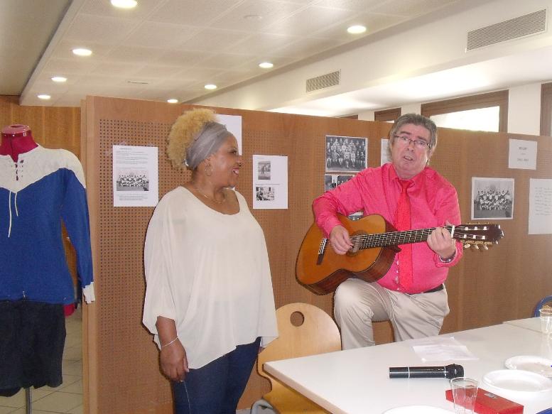 Jacquie et Alain nous font un récital.