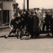 Sortie du lycée, février 1964