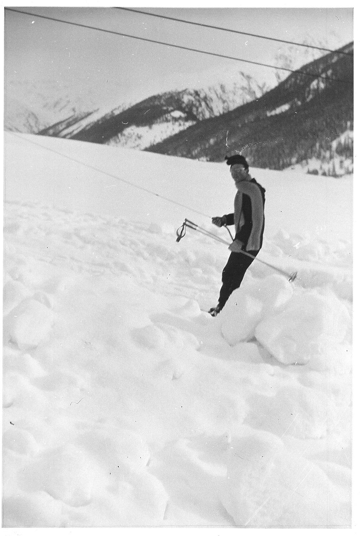 Le Père Feillet à ski.